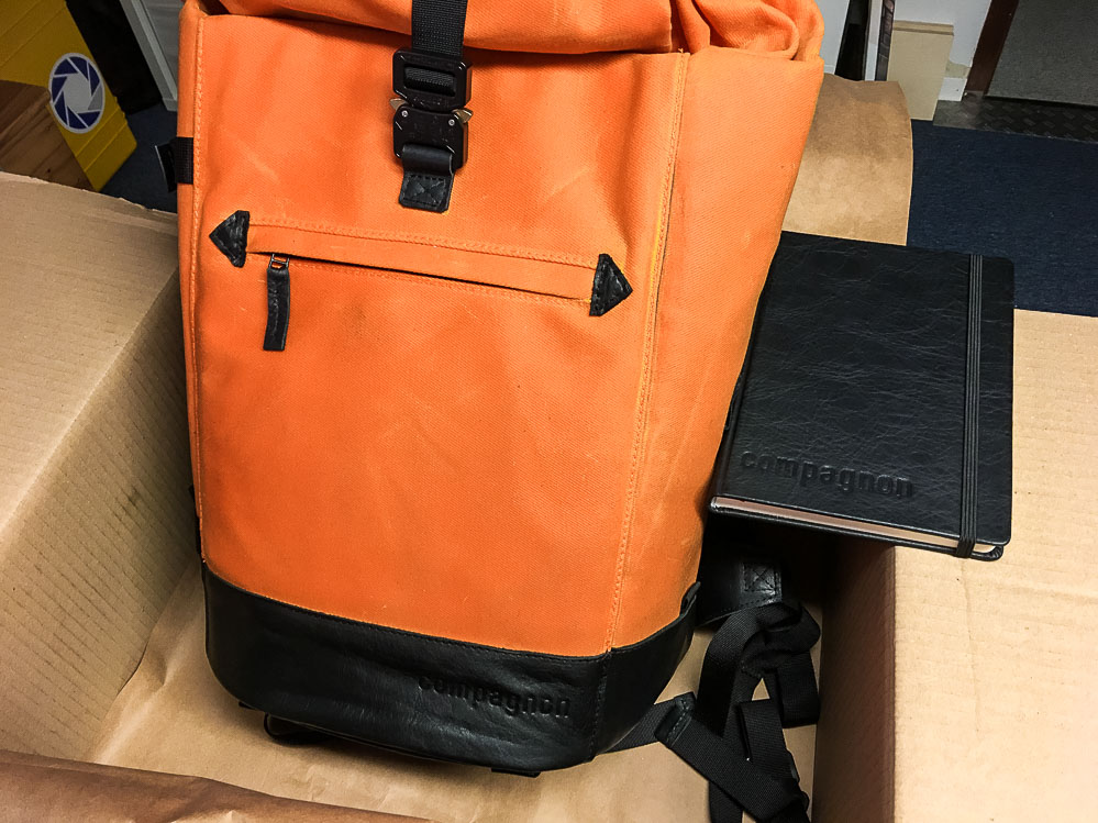20161028-compagnon_backpack_orangeblack-003