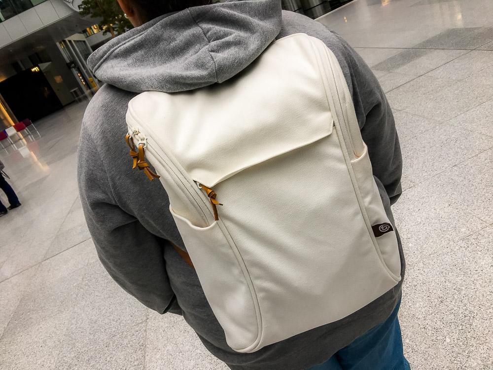 Ein Notebook-Rucksack für SIE in den auch eine Kamera ...