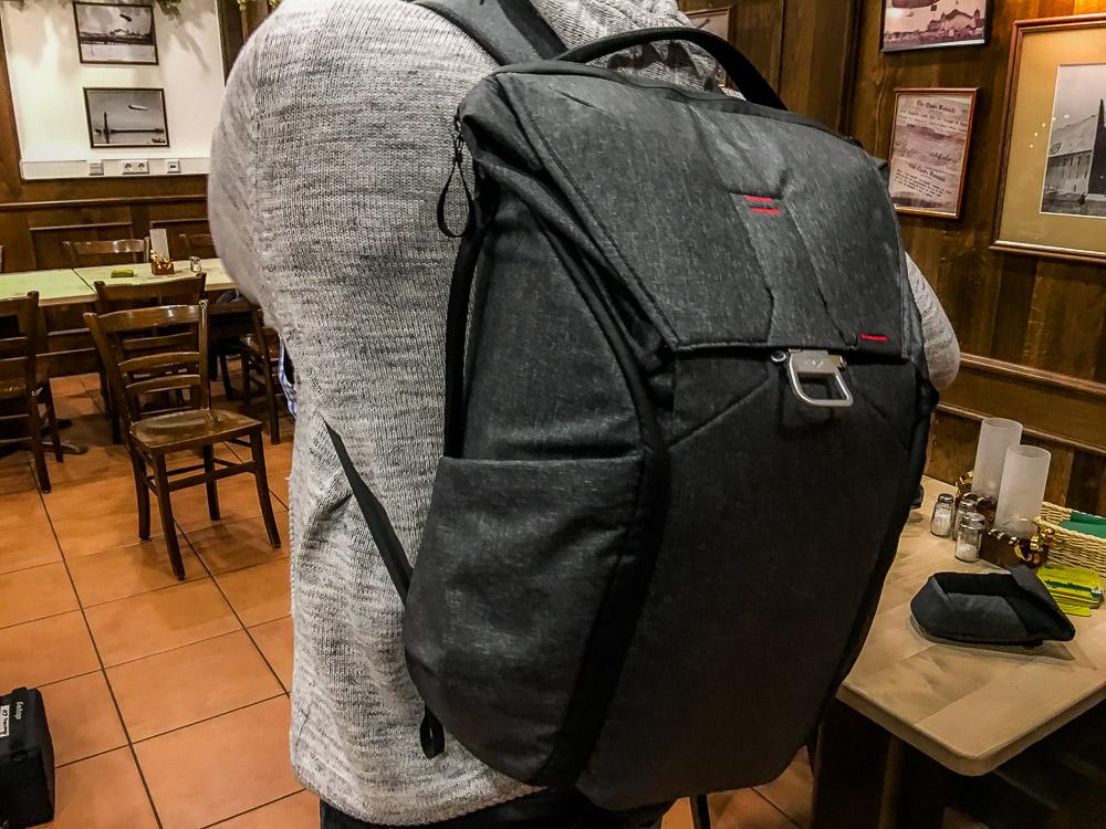 Den neuen Peak Design Everyday Backpack 30L Charcoal Foto-Rucksack ...